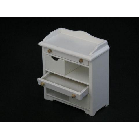 Mueble en miniatura blanco de madera